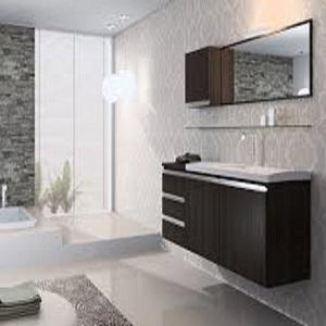 Banheiro amplo e arejado