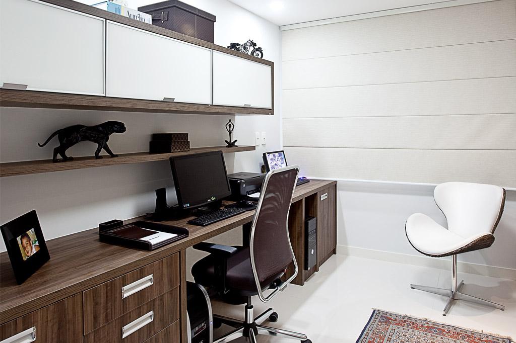 M veis projetados para escrit rio pequeno comodit modulados for Piani di home office